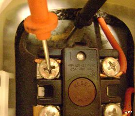 water heater power at thermostat